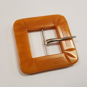 bakelite belt buckle 1